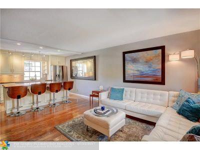 Wilton Manors Condo/Townhouse For Sale: 620 NE 28th St #205