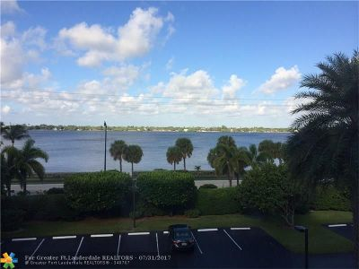 Palm Beach Condo/Townhouse For Sale: 3250 S Ocean Blvd #309S