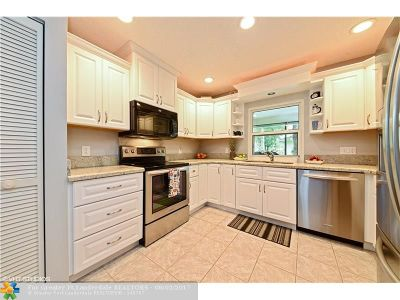 Palm Beach County Single Family Home For Sale: 14206 Greentree Dr