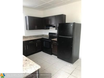 West Palm Beach Single Family Home For Sale: 571 W 6th St