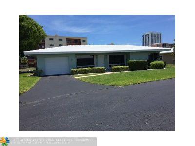 Pompano Beach Single Family Home For Sale: 1431 S Ocean