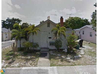 Lake Worth Single Family Home For Sale: 216 N B St