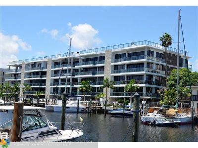 Condo/Townhouse For Sale: 80 Hendricks Isle #PH1