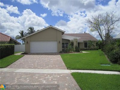 Boca Raton Single Family Home For Sale: 22944 Greenview Ter