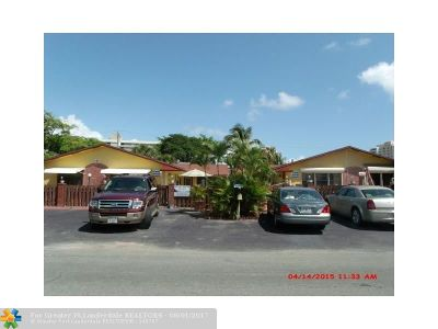 Pompano Beach Multi Family Home For Sale: 3405 Norfolk St