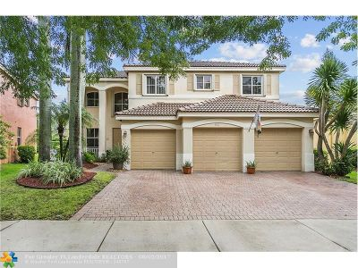 Weston Single Family Home For Sale: 866 Hawthorn Ter