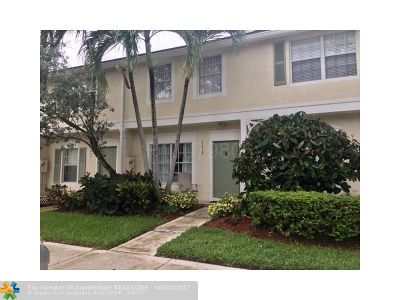 Coral Springs Condo/Townhouse For Sale: 9829 NW 56 Pl #40