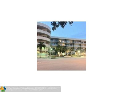 Wilton Manors Condo/Townhouse For Sale: 2301 Wilton Dr #412