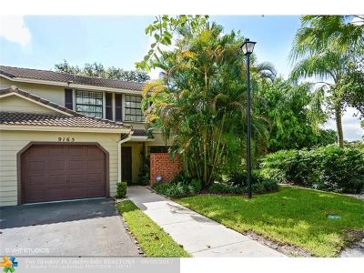 Plantation Condo/Townhouse For Sale: 9165 Vineyard Lake Dr #9165