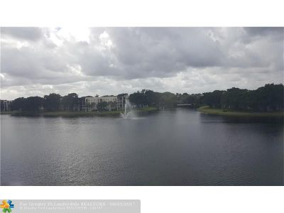 Davie Condo/Townhouse For Sale: 1522 Whitehall Dr #402