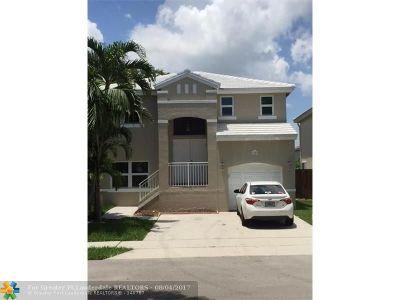 Margate Single Family Home For Sale: 3383 Bonito Ln