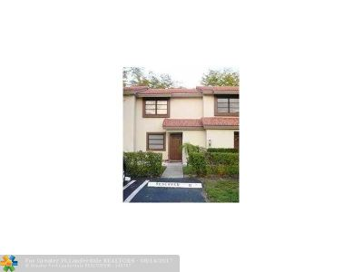 Coral Springs Condo/Townhouse For Sale: 4175 Coral Springs Dr #4175