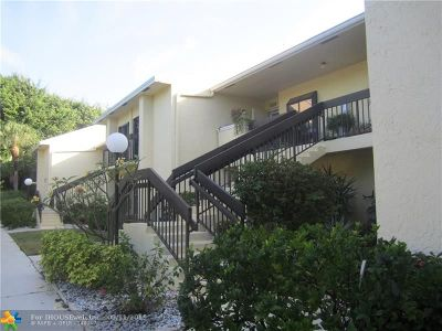 Delray Beach Condo/Townhouse For Sale: 16768 Oak Hill Trl #1222