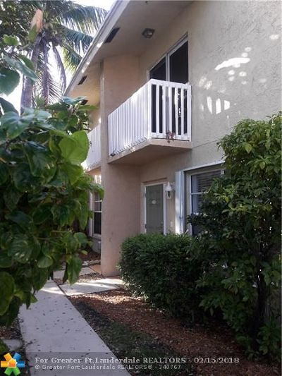 Deerfield Beach Condo/Townhouse For Sale: 1917 NE 3 St #112