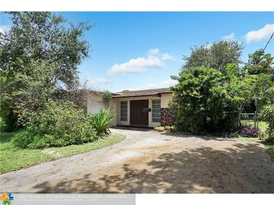 Sunrise Single Family Home For Sale: 8470 NW 20th Ct
