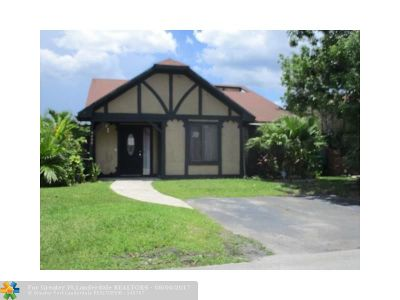 Sunrise Single Family Home For Sale: 4469 NW 93rd Way