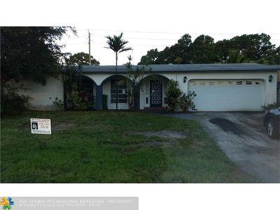 Miramar Single Family Home For Sale: 8440 Southampton Dr
