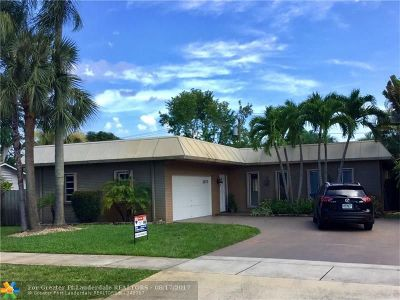 Boca Raton Single Family Home For Sale: 1070 SW 18th St