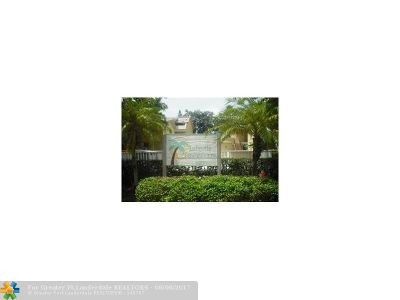 Coral Springs Condo/Townhouse For Sale: 8401 W Sample Rd #25