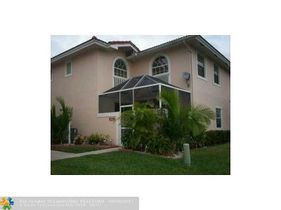 Coral Springs Condo/Townhouse For Sale: 11752 Royal Palm #11752