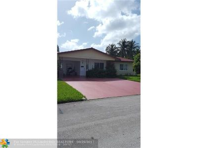 Tamarac Single Family Home For Sale: 5904 NW 66th Ter