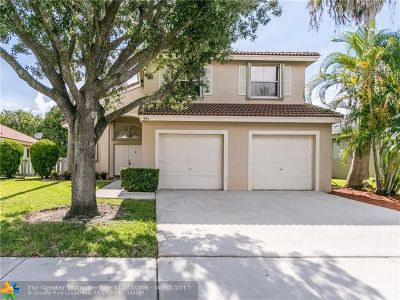 Pembroke Pines Single Family Home For Sale: 555 NW 165th Ave