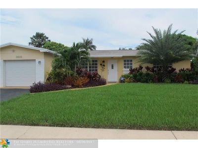 Pembroke Pines Single Family Home For Sale: 10821 NW 17th Pl