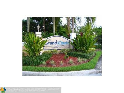 Coral Springs Condo/Townhouse For Sale: 5781 Riverside Dr #104A4
