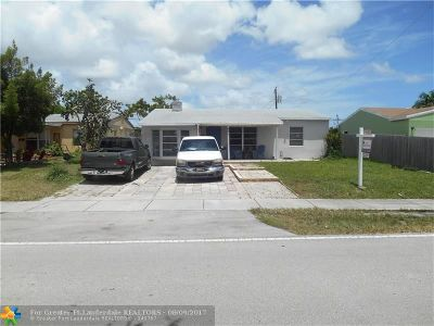 Oakland Park Single Family Home For Sale: 461 NE 51st St