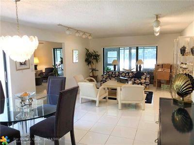 Boca Raton Condo/Townhouse For Sale: 21662 Arriba Real #44A