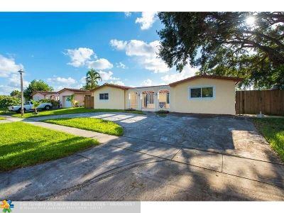 Pembroke Pines Single Family Home For Sale: 620 NW 93rd Ter