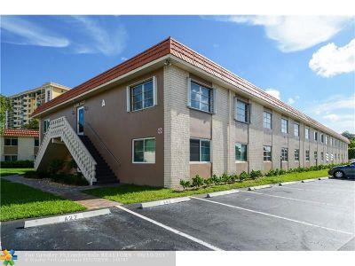 Wilton Manors Condo/Townhouse For Sale: 12 NE 19th Ct #120