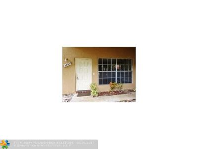 Coral Springs Condo/Townhouse For Sale: 4299 Coral Springs Dr #3A