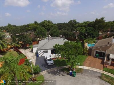 Cooper City Single Family Home For Sale: 4980 SW 94th Way