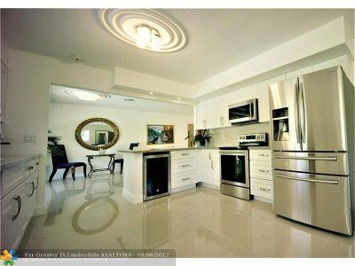 Davie Single Family Home For Sale: 4720 SW 72 Av