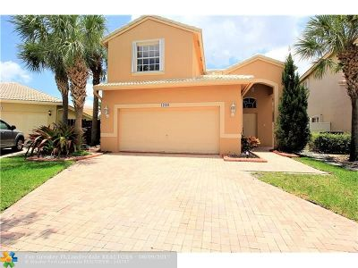 Pembroke Pines Single Family Home For Sale: 17008 NW 12th St