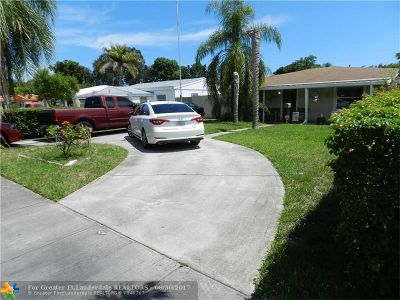 North Miami Beach Single Family Home For Sale: 1740 NE 175th St