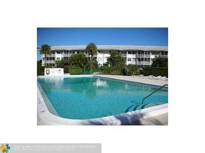 Boca Raton Condo/Townhouse For Sale: 2700 Banyan Rd #27c