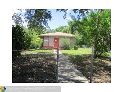 Miami Single Family Home For Sale: 271 NW 52nd St