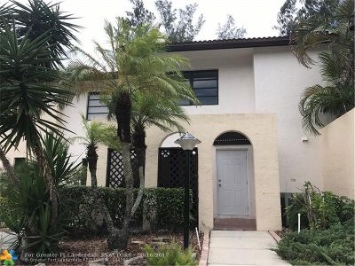 Boca Raton Condo/Townhouse For Sale: 8427 Cypress Ln #10C