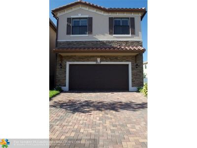 Tamarac Single Family Home For Sale: 4617 NW 58th St