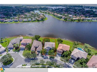 Weston Single Family Home For Sale: 1228 Falls Blvd