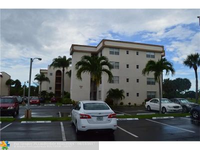 Margate Condo/Townhouse For Sale: 3241 N Holiday Springs Blvd #310