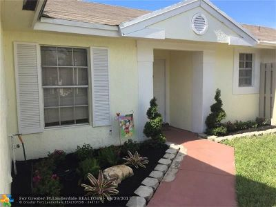 Sunrise Single Family Home For Sale: 3760 NW 107th Ter
