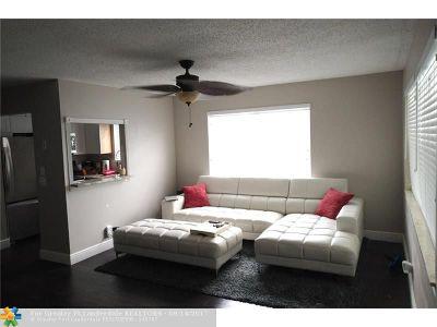 Deerfield Beach Condo/Townhouse For Sale: 125 Harwood J #J