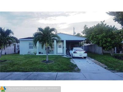 Broward County Single Family Home For Sale: 5241 NE 4th Ter