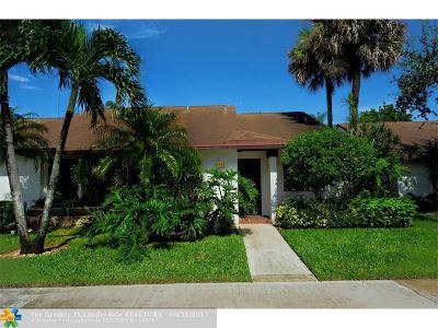 Coconut Creek Condo/Townhouse For Sale: 3324 S Carambola Cir S #2518