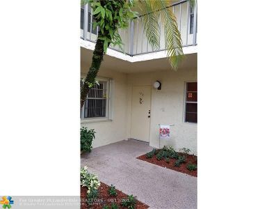 Tamarac Condo/Townhouse For Sale: 8798 Holly Ct #104
