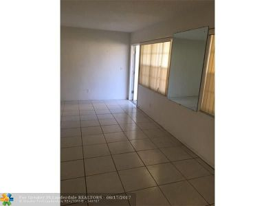 Fort Lauderdale Condo/Townhouse For Sale: 5200 NE 24th Ter #C-101