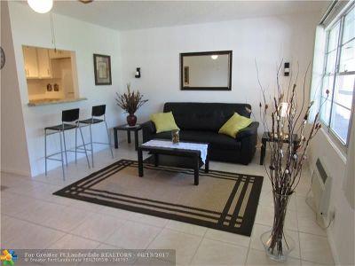 Deerfield Beach Condo/Townhouse For Sale: 358 Farnham Q #358